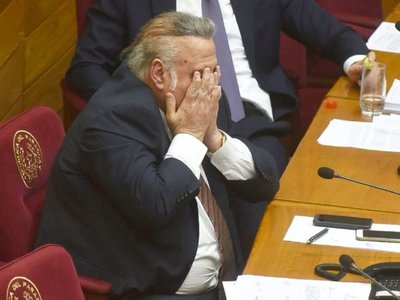 Zacarías Irún anuncia renuncia de González Daher