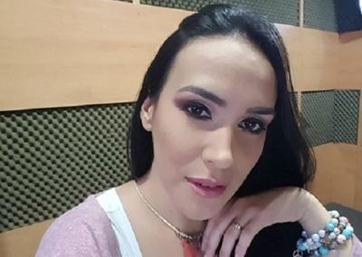"Silvia Flores ""Esta Es Mi Historia Con Kimo Mi Perro, Mi Compañero"""