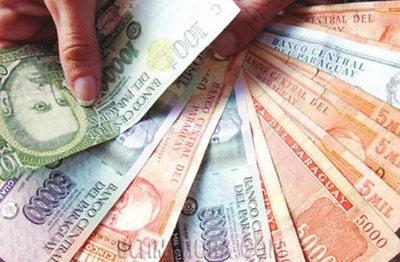 El Guaraní se continúa devaluando frente al dólar ayer llegó a Gs. 5800