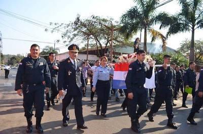 Agentes de policía realizaron la procesión de su Patrona Santa Rosa