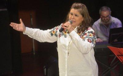 La cantante Lizza Bogado será homenajeada hoy