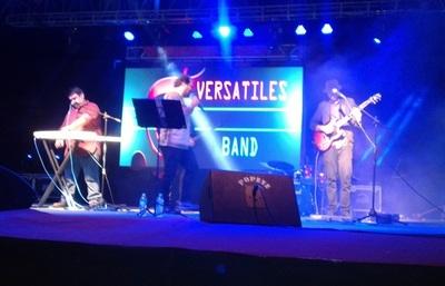"""Versátiles Band"" hizo vibrar anoche en la Expo Norte"