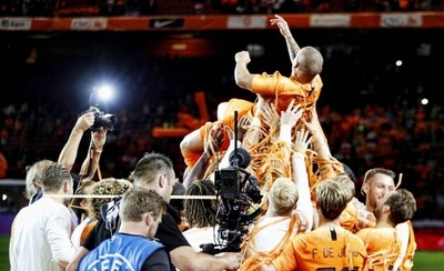 HOY / Holanda despide a Sneijder con triunfo ante Perú