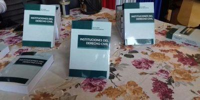 Presentaron libro Instituciones del Derecho Civil