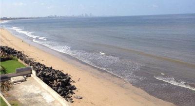 Asquerosa costa fue transformada a una fabulosa playa