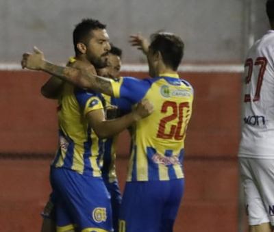 Santiago Salcedo alcanzó el récord de Rodrigo López