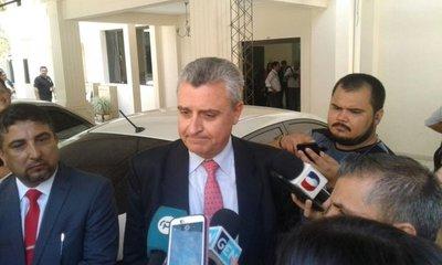 Es una situación personal que buscan politizar, afirma ministro