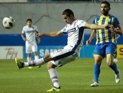 Nacional derrota a Capiatá y avanza en el Clausura