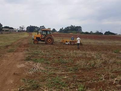 Rastroneada y arado para pequeños productores yguazuenses