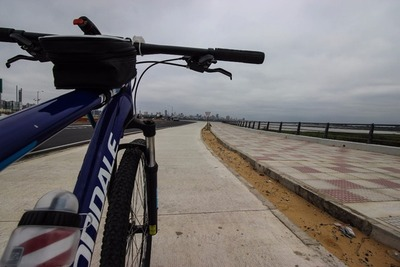 Costanera II: En bicicleta desde el Botánico al centro de Asunción, en 30 minutos
