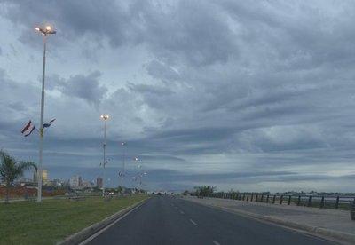 Renuevan alerta por tormentas para ocho departamentos