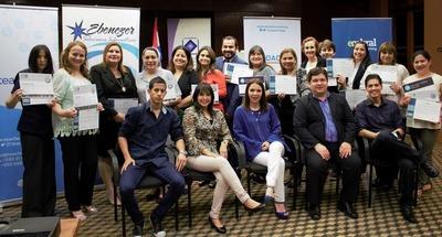 TeacherTic: Paraguay primero en la región en obtener dos certificaciones internacionales y certificación del Ministerio de Educación y Ciencias