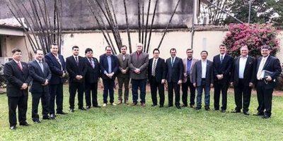 Gobernadores se reunieron con el contralor