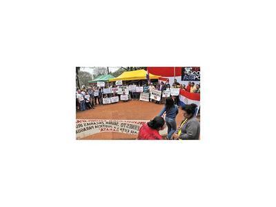 Indignados hacen Expo Corrupción y piden intervención de Comuna de CDE