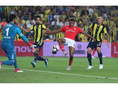 El Benfica, Kiev y el Ajax clasificados en Champions
