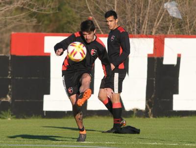 Alfio Oviedo, con pocos minutos en Newell's