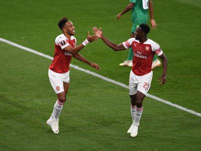 Arsenal empezó la Europa League goleando al Vorskla