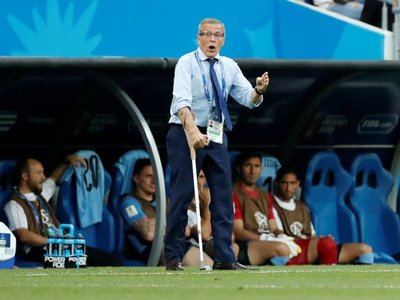 Uruguay ultima detalles para renovación de Tabárez