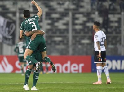 Palmeiras superó a Colo-Colo en Chile y se acerca a semis