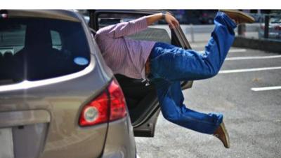 Muere tras saltar de un taxi porque el viaje le parece demasiado caro