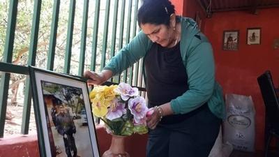 """HOY / Madre de Edelio acusa a Marito: """"Desde que asumió no hablamos de mi hijo"""""""