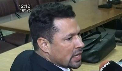 Juez envía a prisión al diputado Quintana