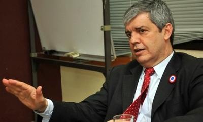 Friedmann ataca a Cartes por miedo a perder su banca, dice Riera