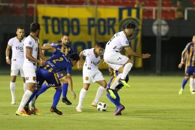 Guaraní golea por 3-0 a Sportivo Luqueño
