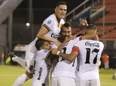 Guaraní reafirma su buen momento con victoria sobre Luqueño