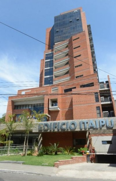 Nuevo Gobierno también usa Itaipú para pagar los favores políticos