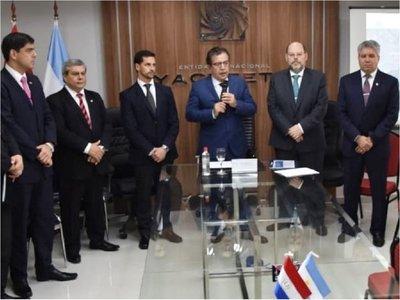 Nicanor promete abrir las puertas de la EBY a la Contraloría