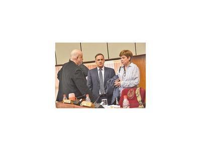 Desirée cuestiona a Añetete por no apoyar investigación