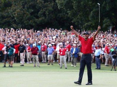 Tiger Woods, campeón después de cinco años