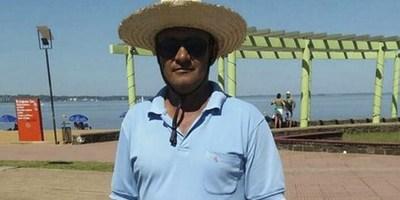 Encontró 1.500 dólares en la playa San José, pero buscó al dueño y lo devolvió