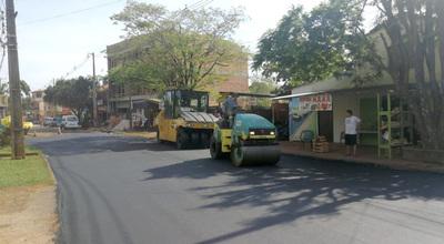 Empiezan a asfaltar la avenida Amambay del barrio Santa Ana