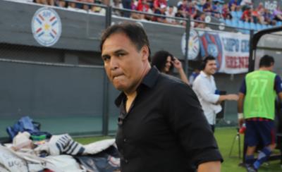 HOY / Chito critica al arbitraje y, de paso, atiende a los grandes