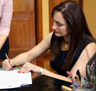 Banca de Quintana es reclamada por Sheila Abed