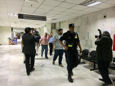 González Daher continúa en audiencia de imposición de medidas