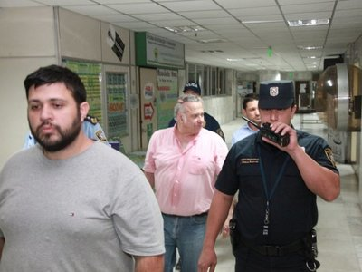 Con inconstitucionalidad buscan revertir prisión de González Daher y su hijo
