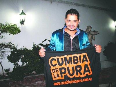 Cumbiero pidió perdón luego de cantar borracho en la Argentina