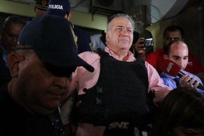 González Daher cenó empanada con galleta