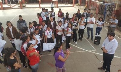 Concepción: Alumnos exigen reposición de su profesora guía