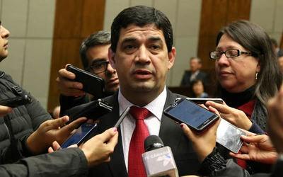 Velázquez descarta candidatura a la presidencia de la ANR