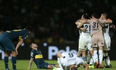 HOY / Gimnasia sorprendió a Boca y lo eliminó de la Copa Argentina