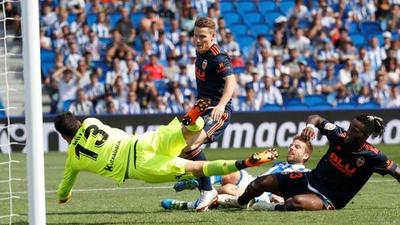 Valencia derrotó a Real Sociedad de visita