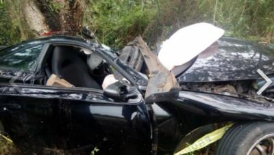 Dos fallecidos tras vuelco de automóvil en acceso Acahay – Prensa 5
