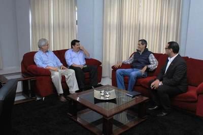 Sicom y Gobernación proyectan acciones conjuntas en beneficio de ñeembuqueños