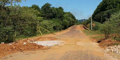 Comienza disputa por asfalto de uno de los caminos a Itape