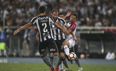 HOY / Bahía avanza en penales y se medirá en cuartos a Paranaense