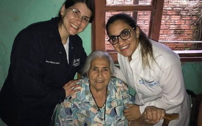 Adultos mayores son beneficiados con prótesis dental